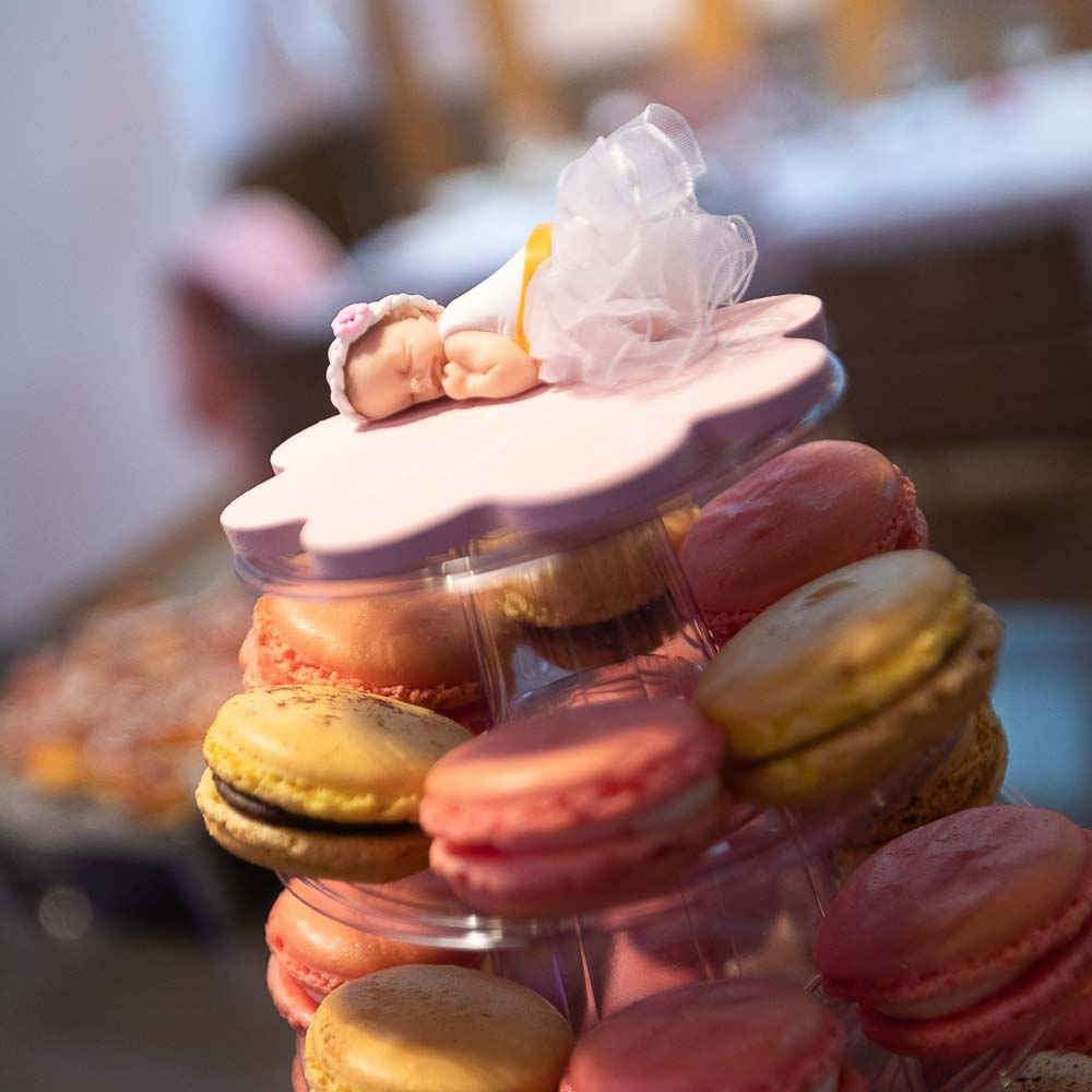 Photographe Baptême gâteau macaron