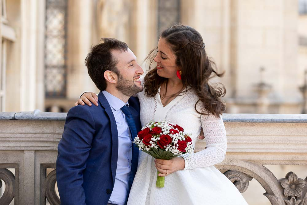Photographe mariage couple mairie paris