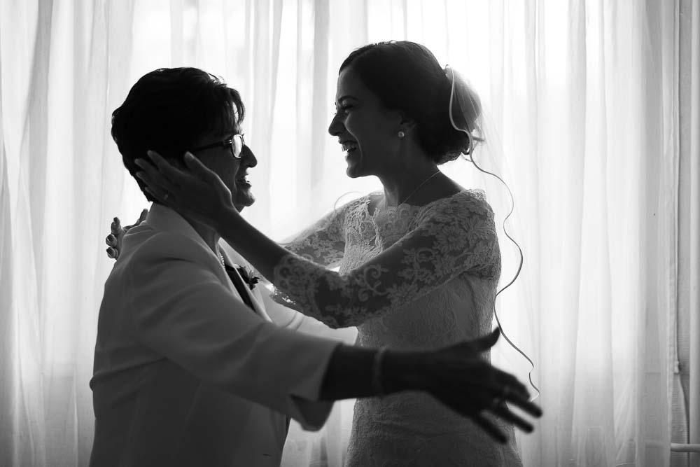 photographe mariage préparatifs robe mère fille